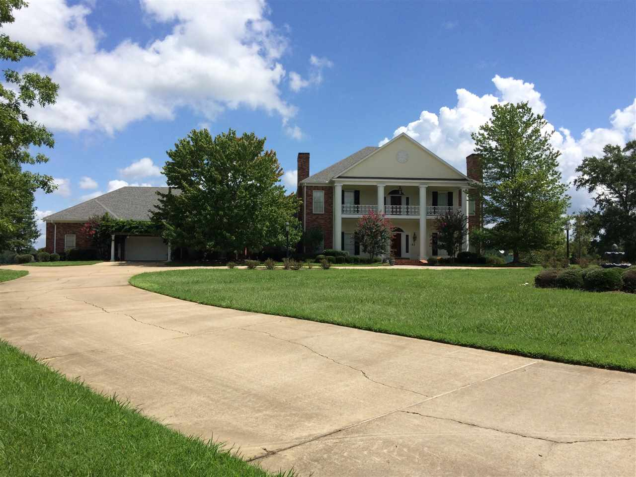 242 HIGHLAND HILLS LN   Flora MS 39071 - Mississippi property for sale