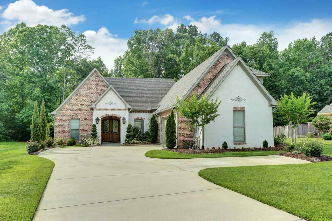 711 chickasaw dr south flowood ms 39232 mckee realty inc for Home builders in south mississippi
