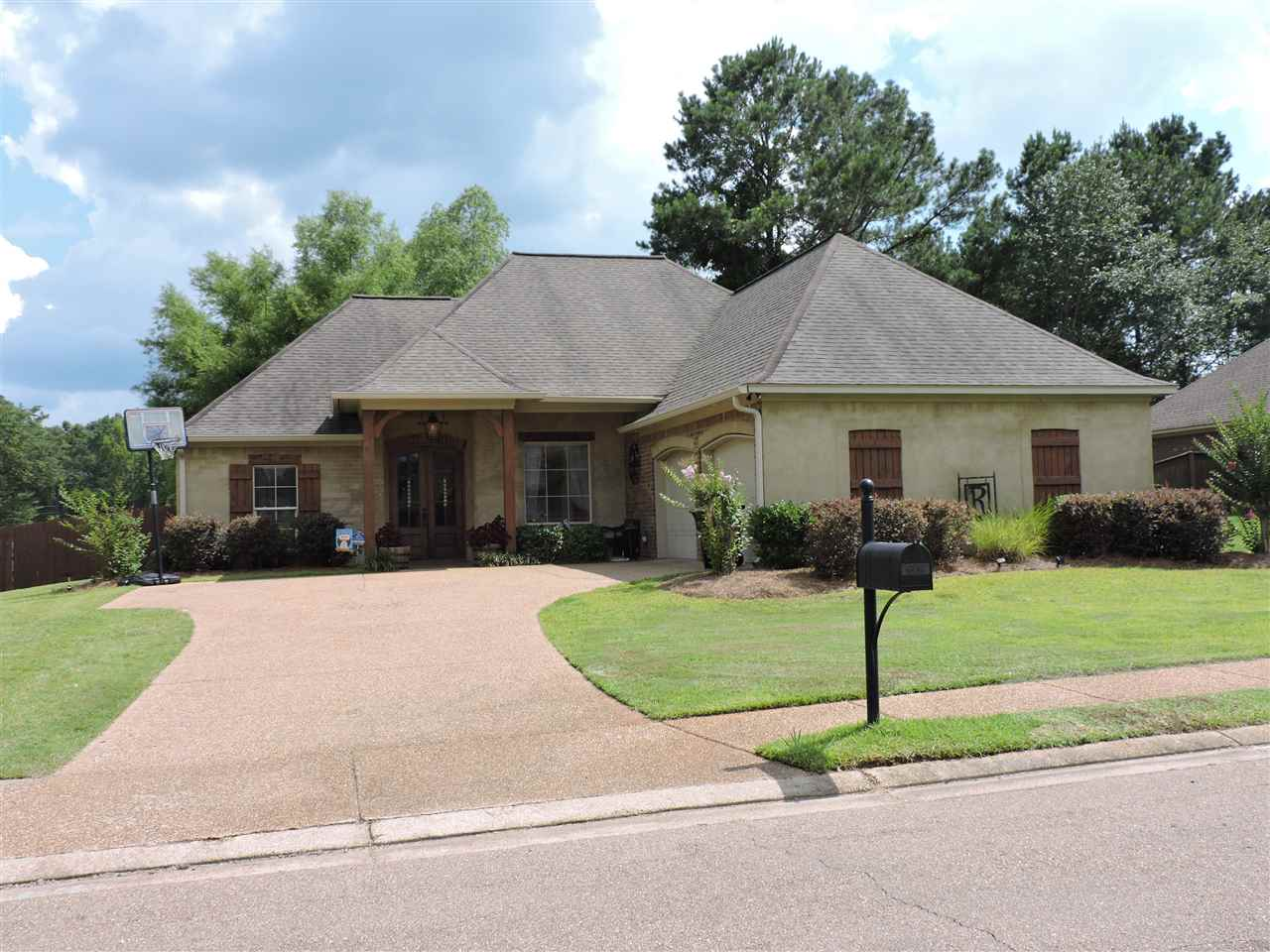 606 BROOKFIELD PL, Florence, MS 39073