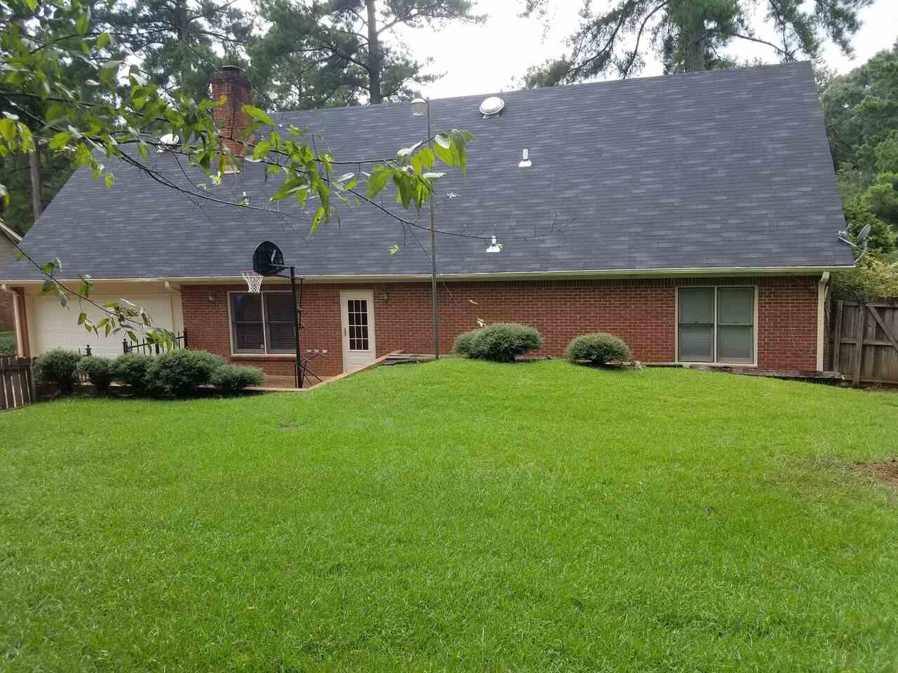 204 WINDING HILLS DR, CLINTON, MS 39056  Photo 3