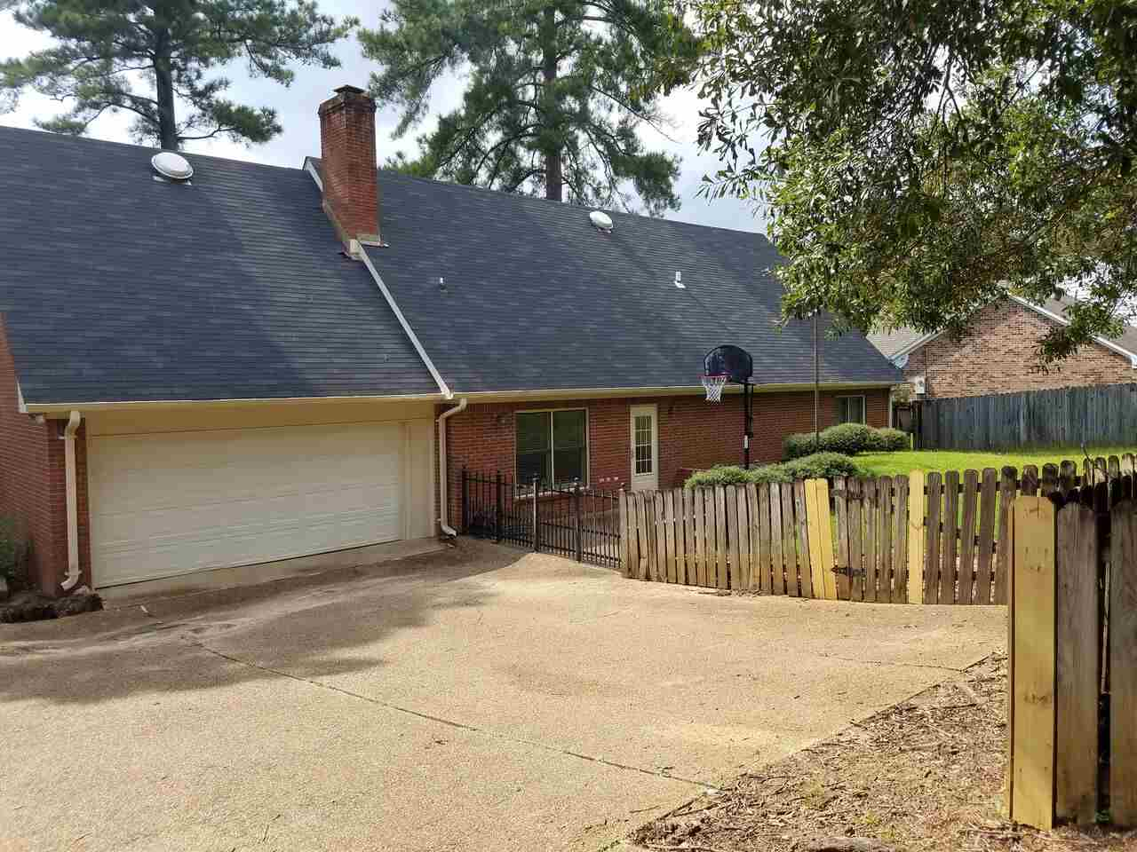 204 WINDING HILLS DR, CLINTON, MS 39056  Photo 5