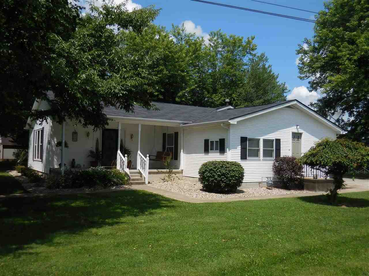 1001 W Oak St Mitchell In 47446 Sold Listing
