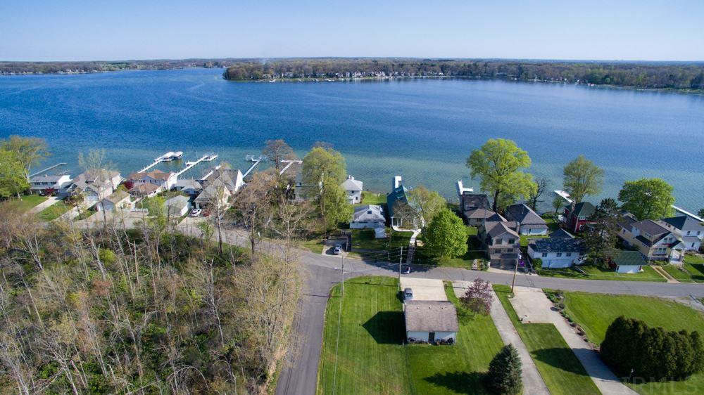 734 S Clear Lake, Fremont, IN 46737