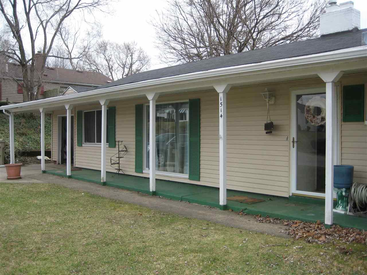 1514 southeast dr, South Bend, IN 46614
