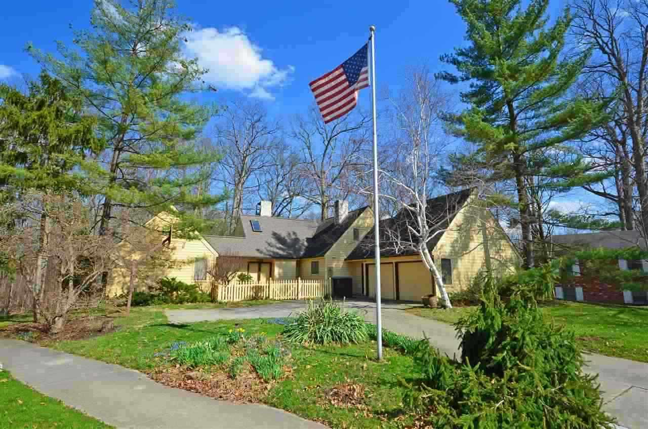 9803 Houndshill Place, Fort Wayne, IN 46804