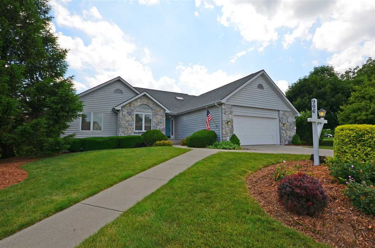 906 Blue Stone Court, Fort Wayne, IN 46804