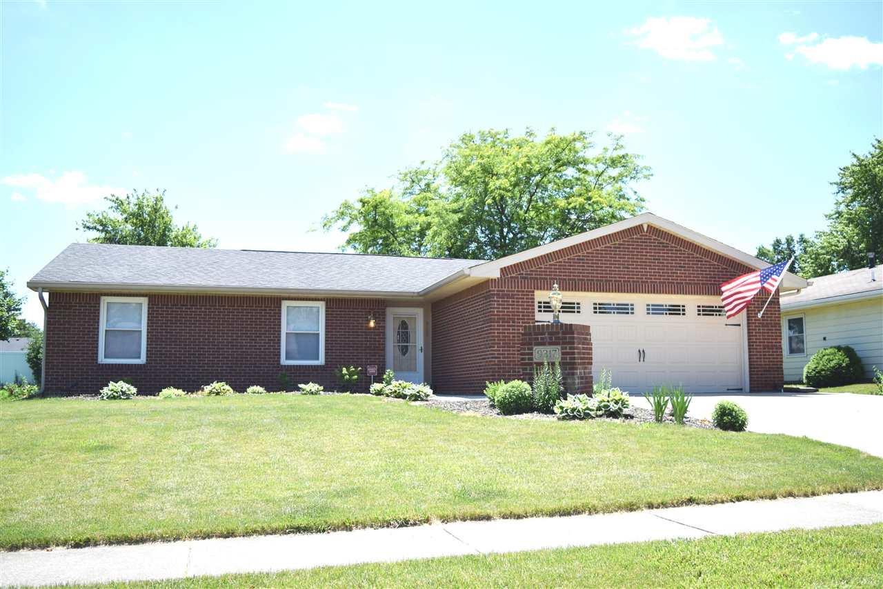 9317 Dawnsford Drive, Fort Wayne, IN 46804