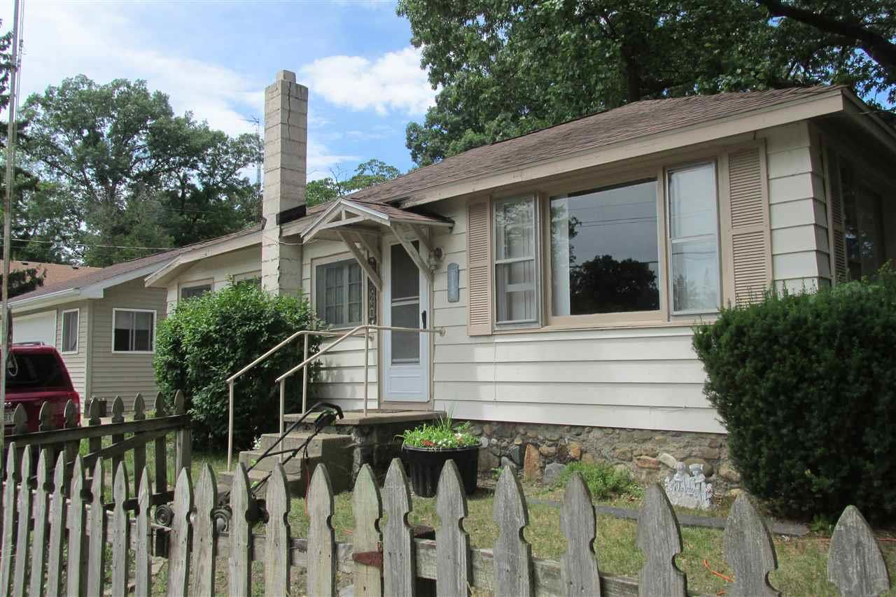 11128 Cherokee Rd, Walkerton, IN 46574