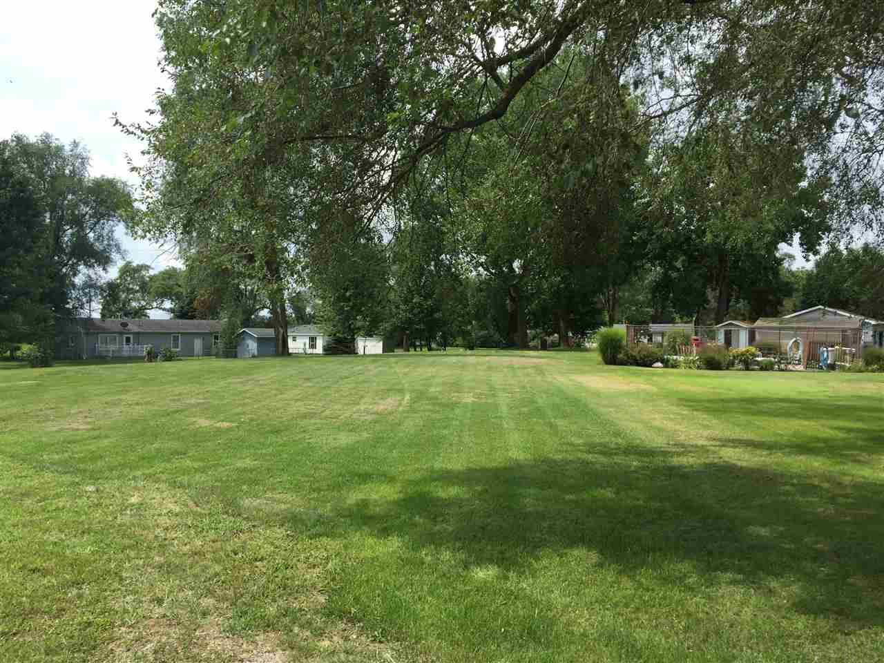 N Lake Shore Ct., Monticello, IN 47960