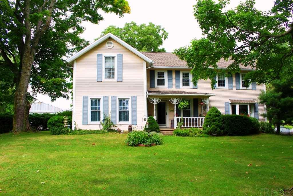2225 E Strater, Kendallville, IN 46755