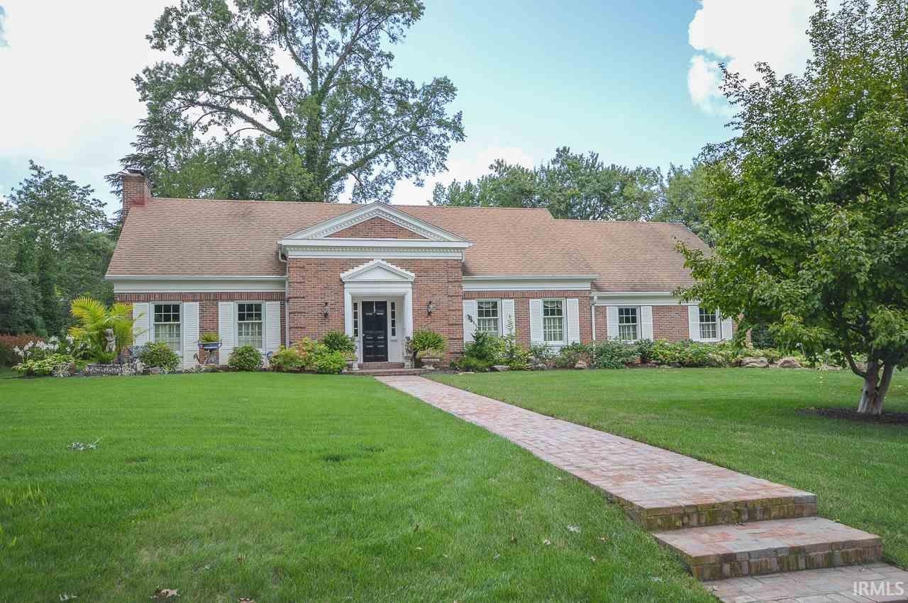 Evansville                                                                      , IN - $790,000