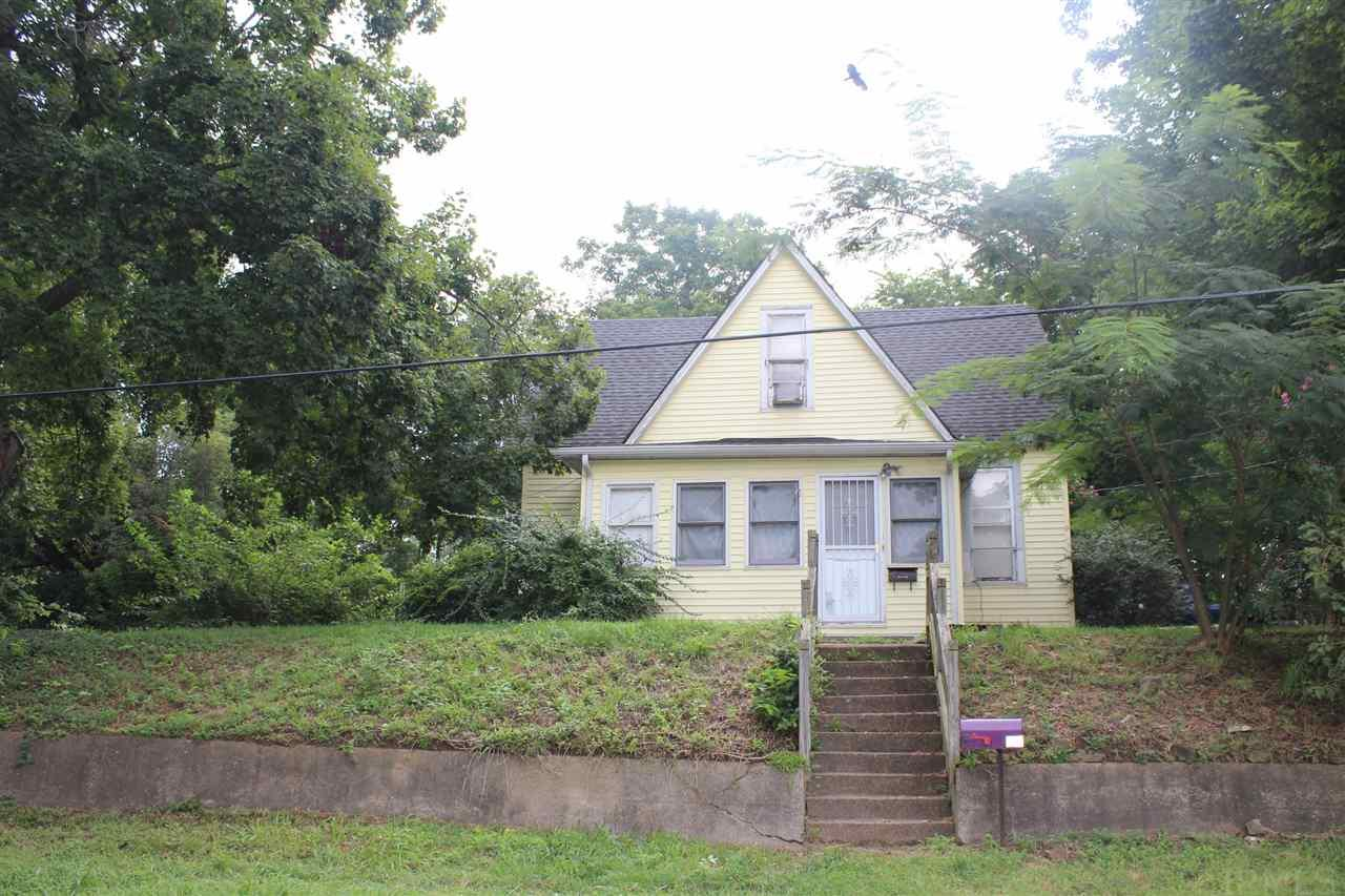 31 N Cleveland, Bloomfield, IN 47424