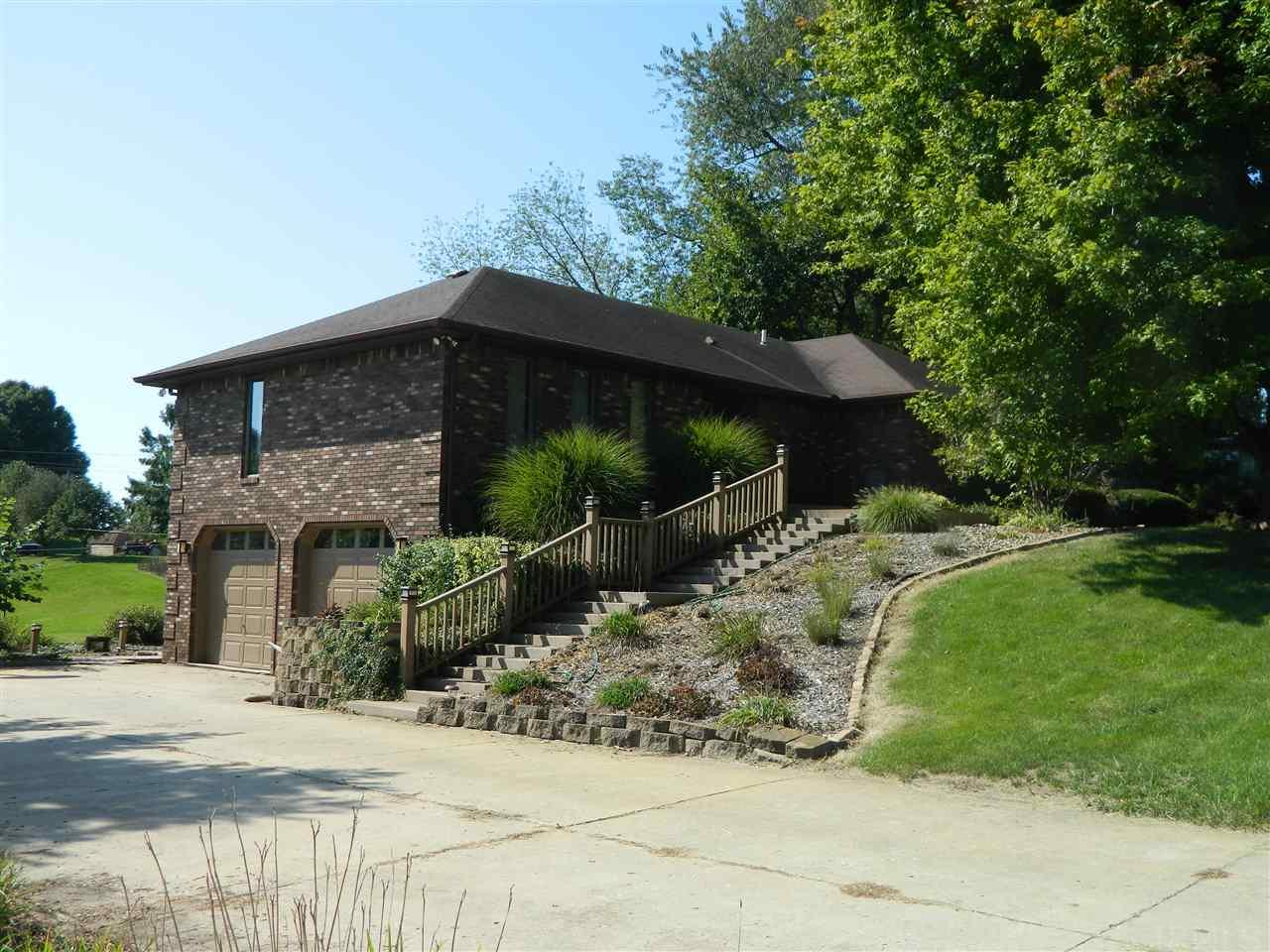 1923 E Timberline, Warsaw, IN 46582