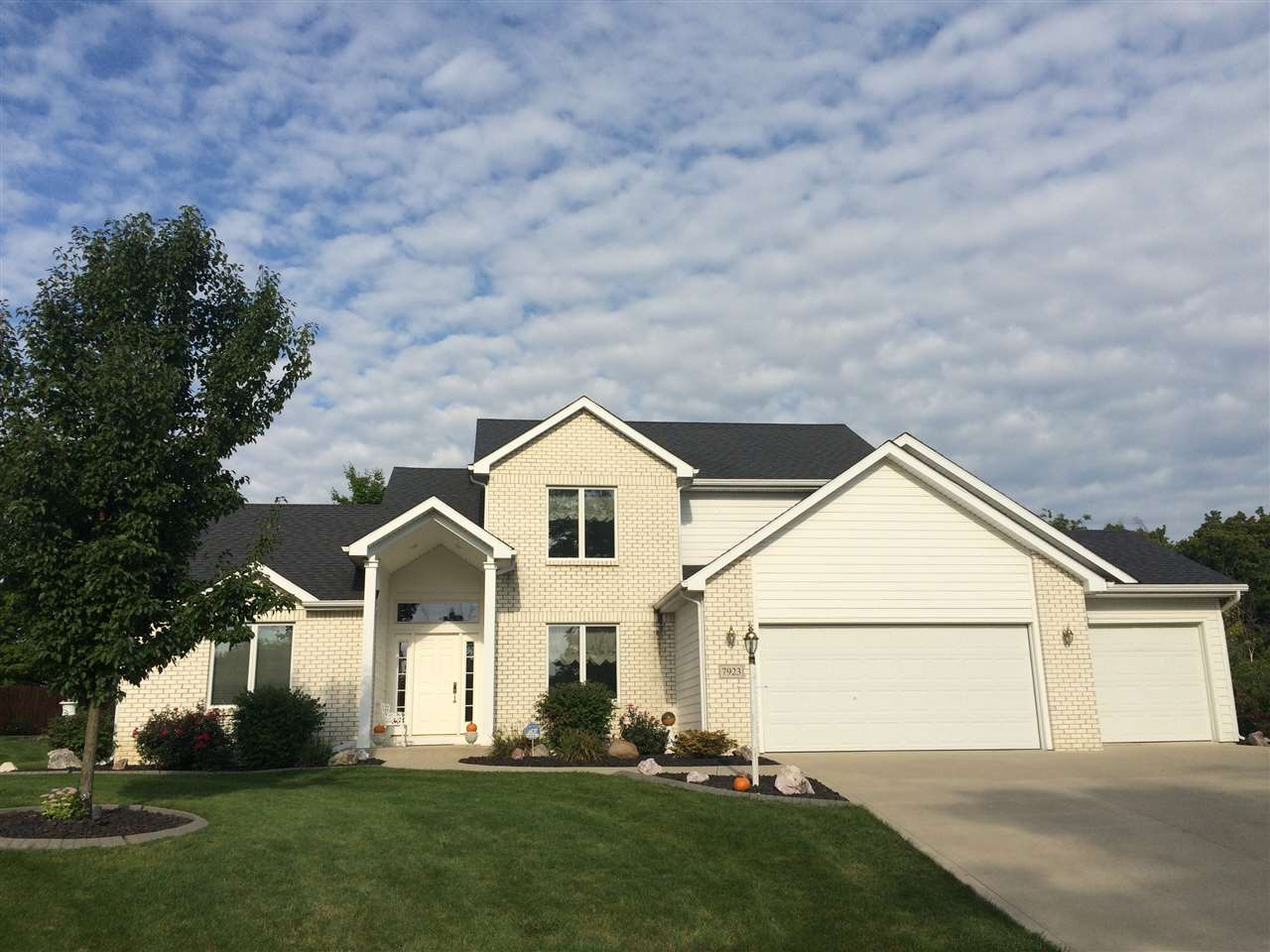 7923 EMERALD CANYON Cove, Fort Wayne, IN 46825