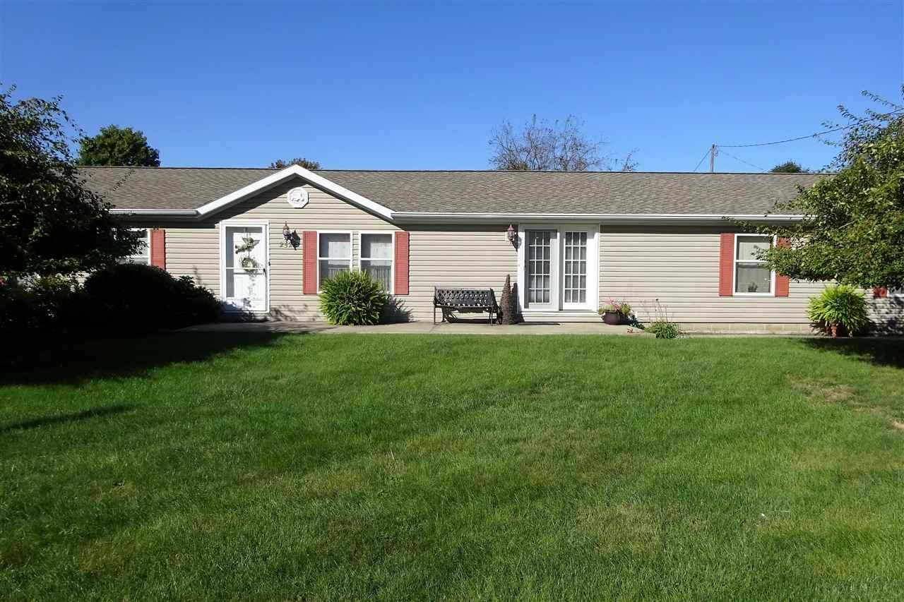2521 Wolf Point Drive, Rochester, IN 46975