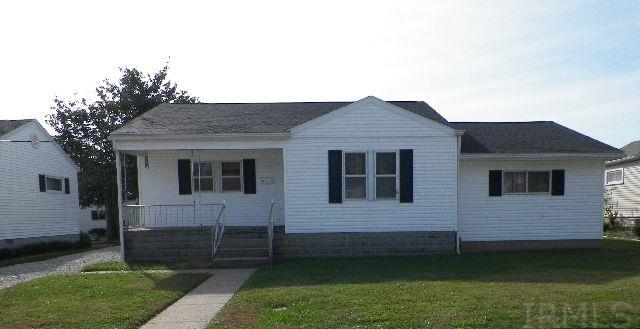 611 E 1st Avenue, Huntingburg, IN 47542