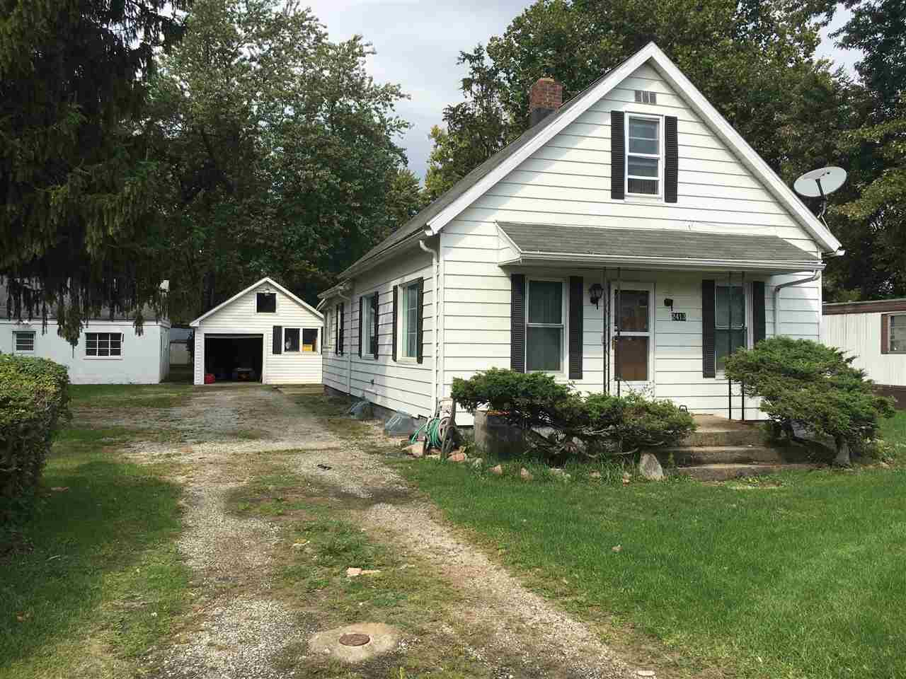 2413 Praire Ave., South Bend, IN 46614