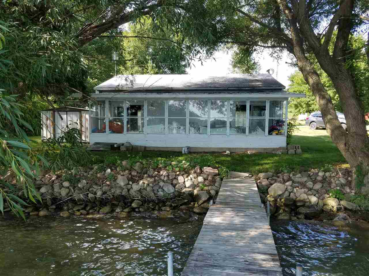 1310 E 450 S Oliver Lake, Wolcottville, IN 46795