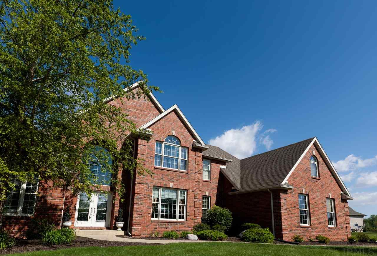 110 Chestnut Hills, Fort Wayne, IN 46814