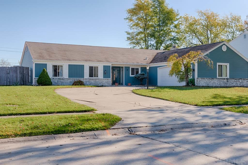 3332 Chelmsford Place, Fort Wayne, IN 46815