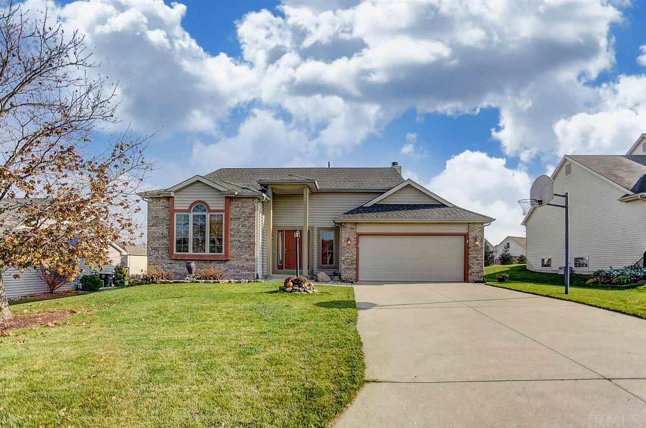 325 Blue Cliff Place, Fort Wayne, IN 46804