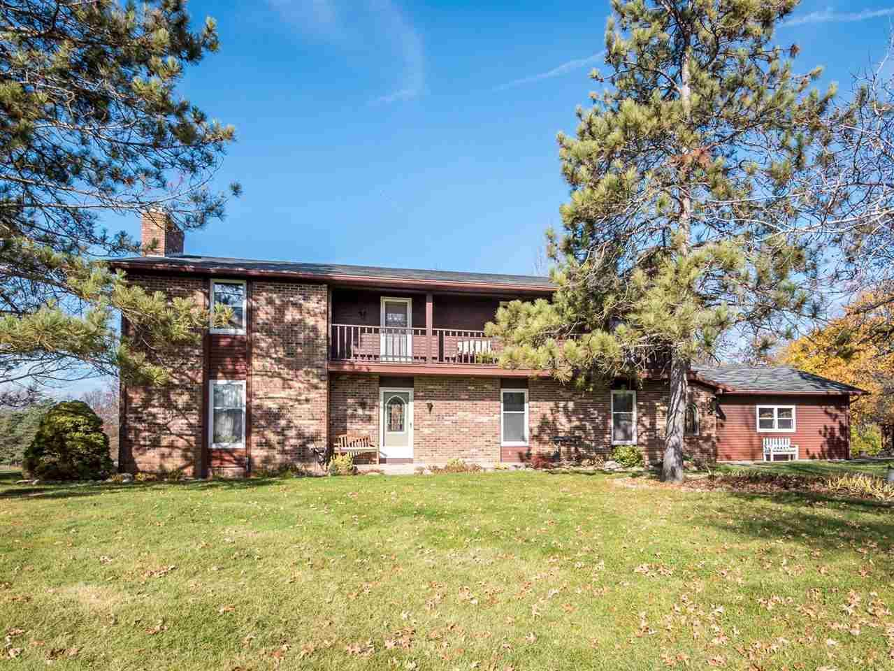 1602 E Cedar Canyons Road, Fort Wayne, IN 46845