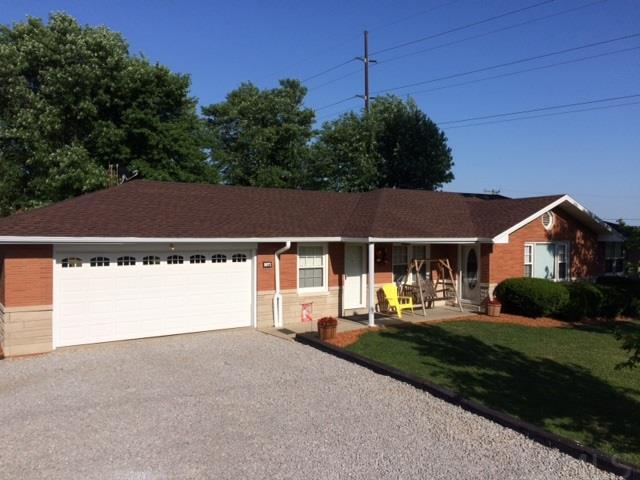 1071 S Cherry, Huntingburg, IN 47542