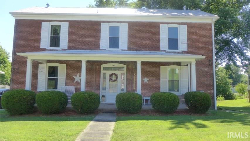 215 N Jackson Street, Huntingburg, IN 47542
