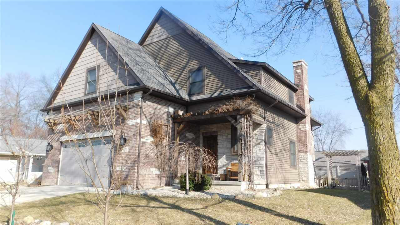 1075 Elm St, Plymouth, IN 46563
