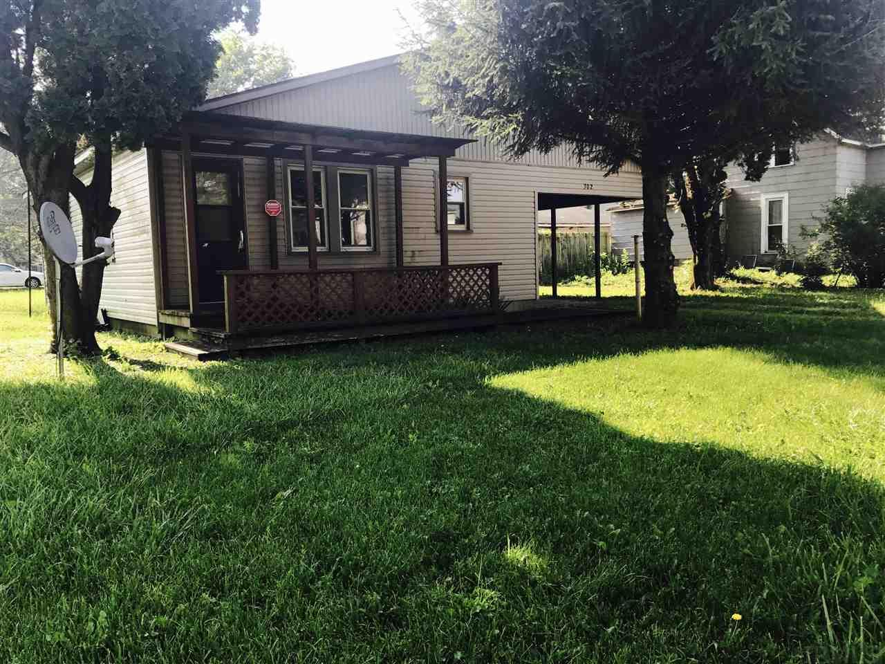 302 N Sycamore, Gaston, IN 47342