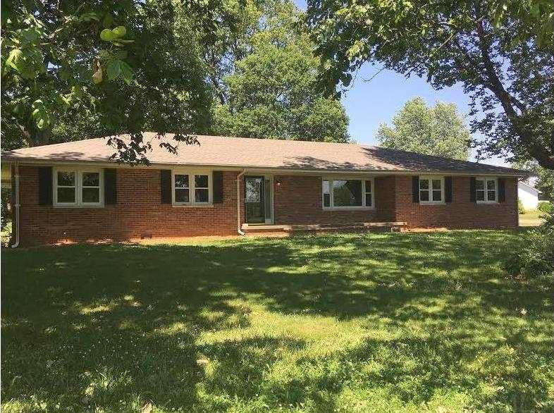 118 S Hickory, West Lebanon, IN 47991