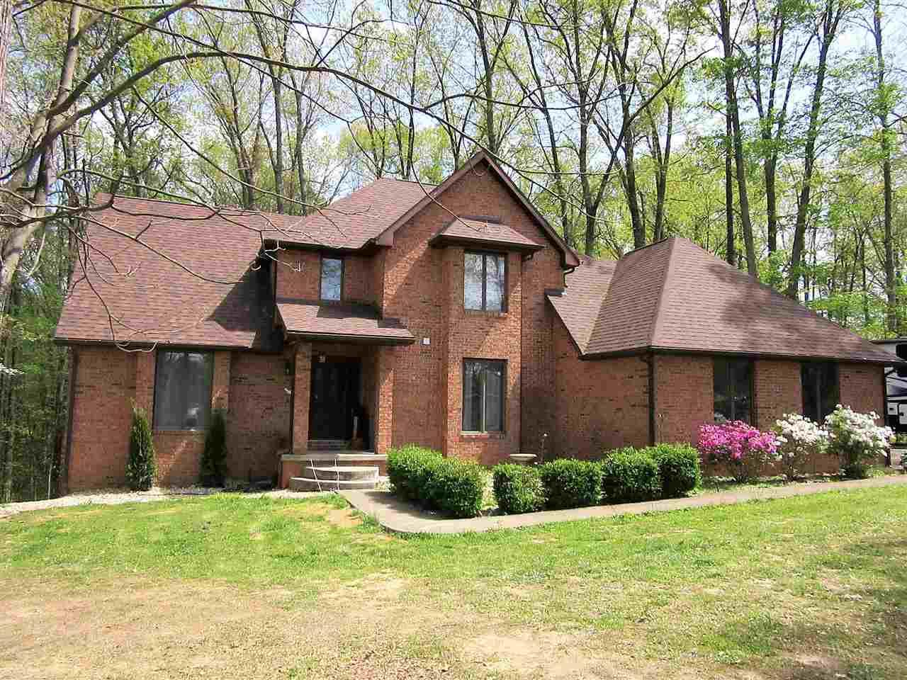 141 The Woods, Bedford, IN 47421