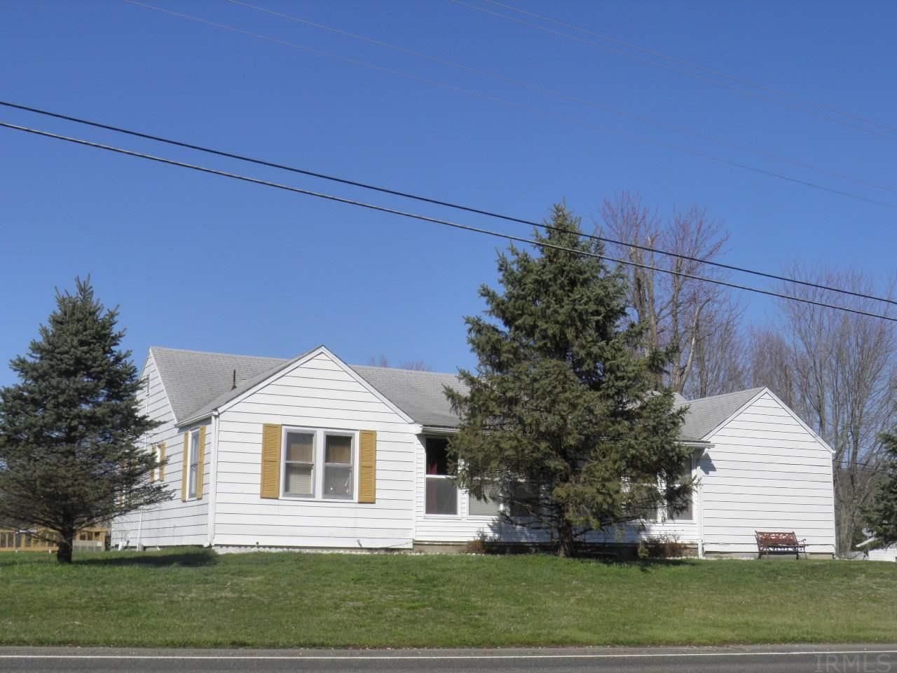3173 E State Road 54, Bloomfield, IN 47424