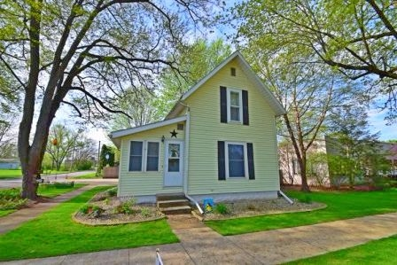 317 E Waterford Wakarusa, IN 46573