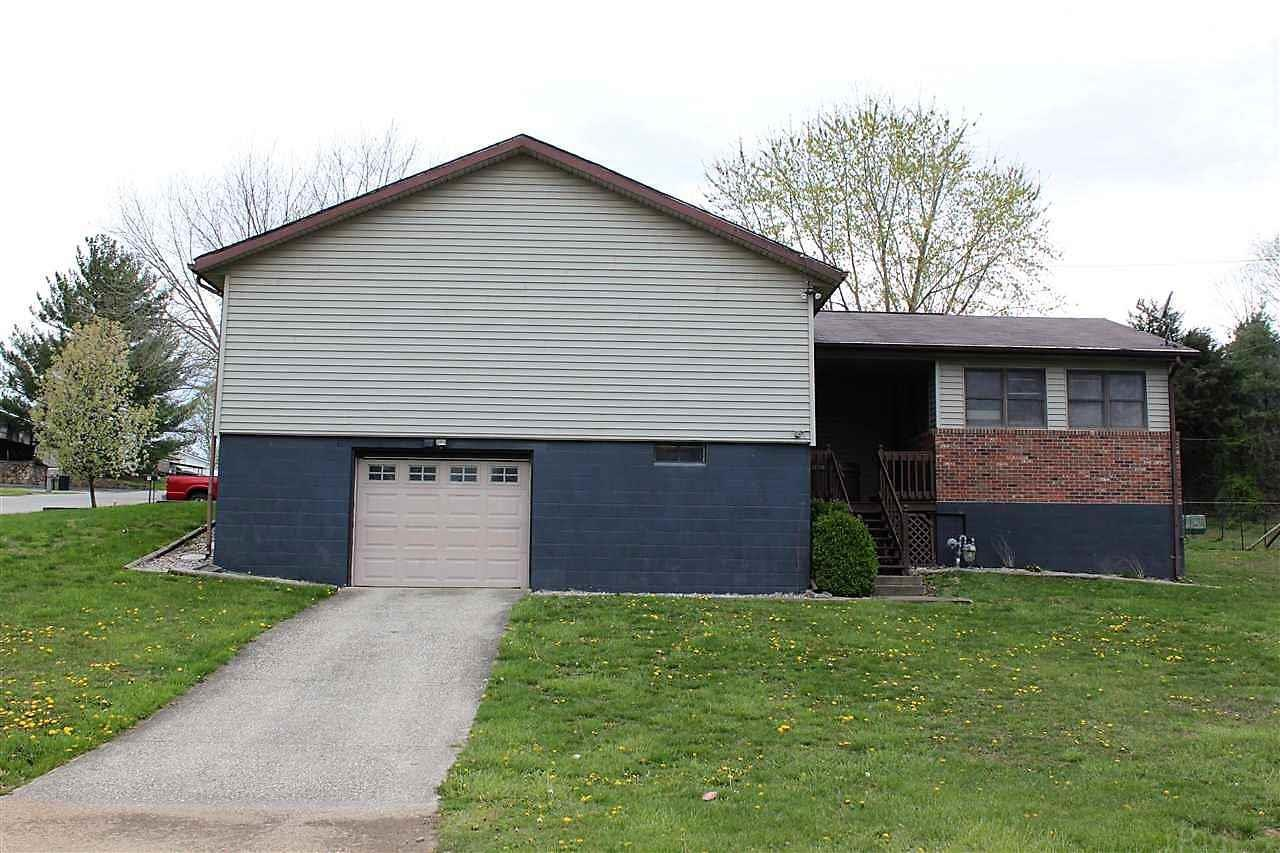 1090 N RADCLIFFE DR, Paoli, IN 47454