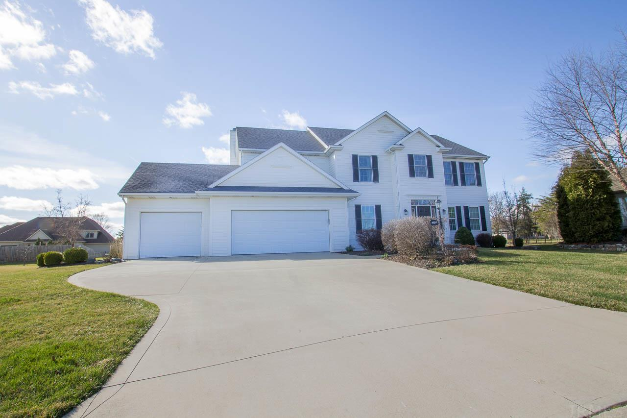 6929 Bright Oaks Trail, Fort Wayne, IN 46835