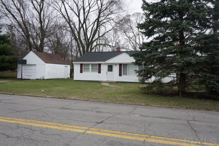 3001 Sunnymede, South Bend, IN 46615
