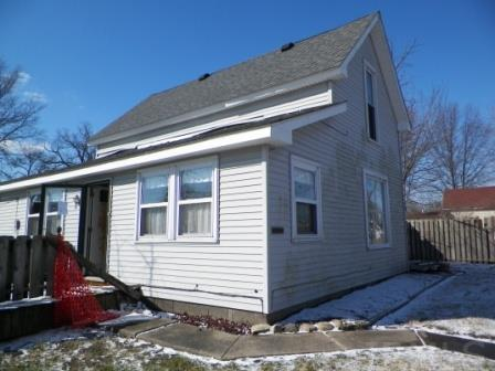 406 E Van Cleve, Hartford City, IN 47348