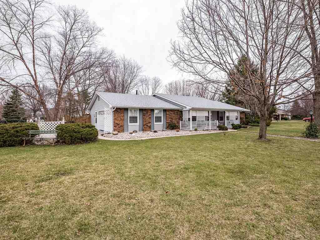 5611 Tomahawk Trail, Fort Wayne, IN 46804