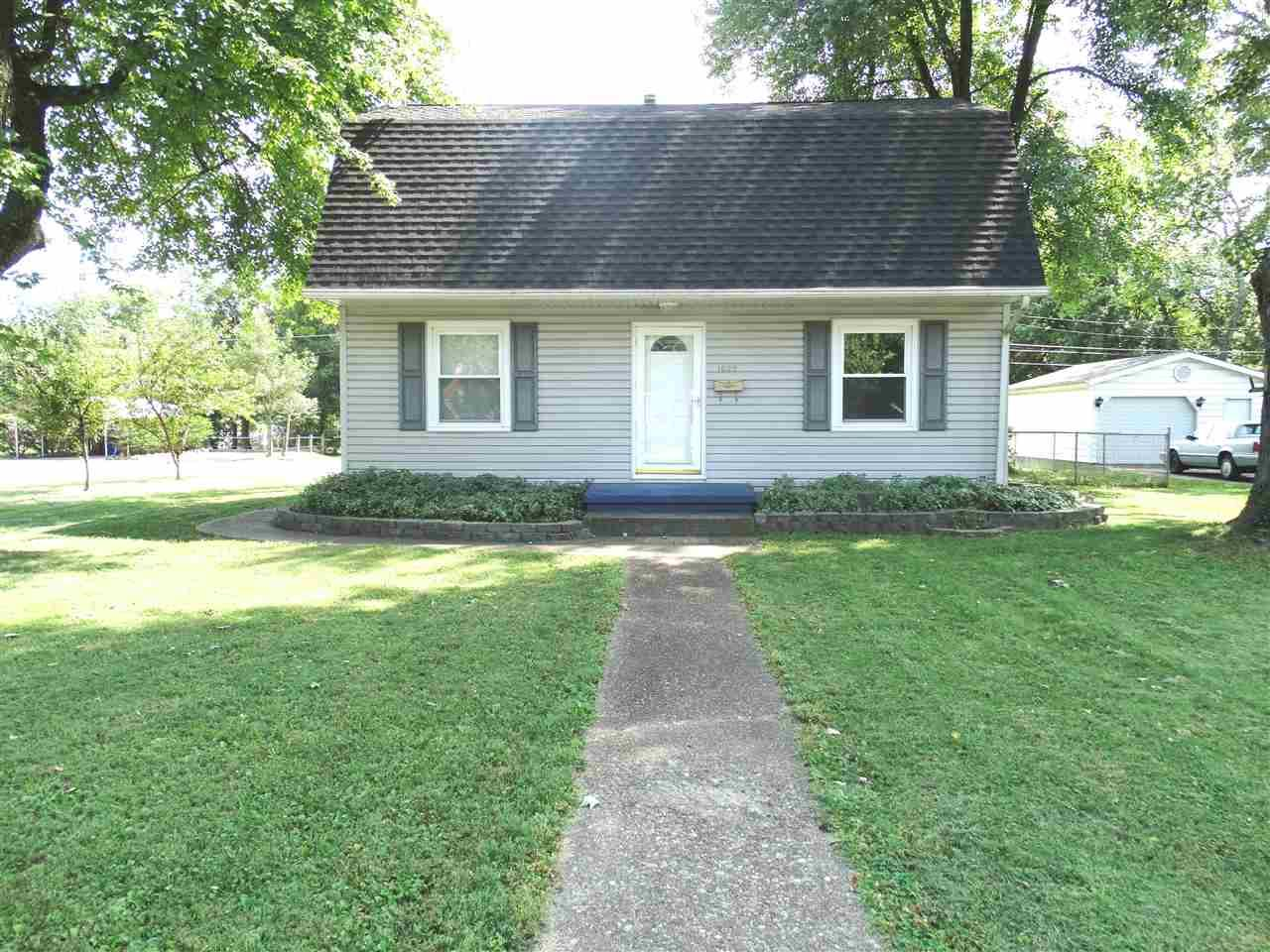 1625 Sweetser, Evansville, IN 47714