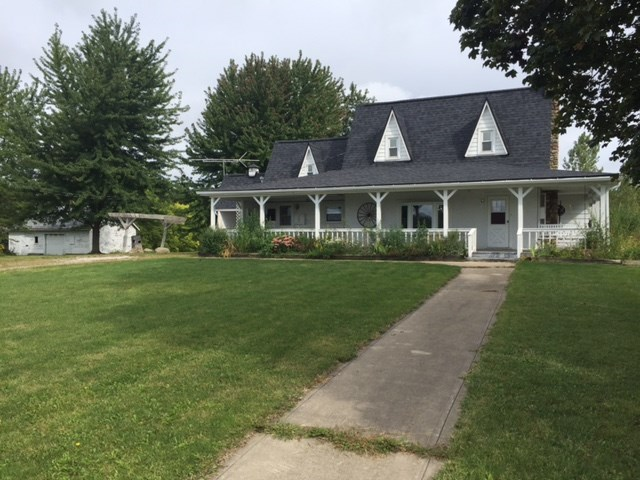 2225 S West Fox Lake Road, Angola, IN 46703