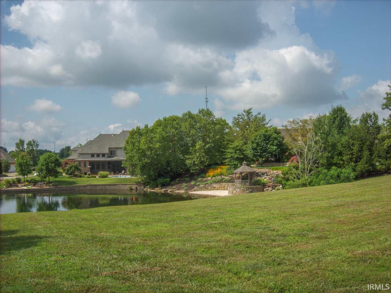 5811 Shadow Creek, Newburgh, IN 47630