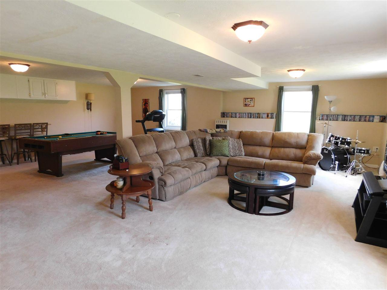 2266 S Clover ln, Warsaw, IN 46580