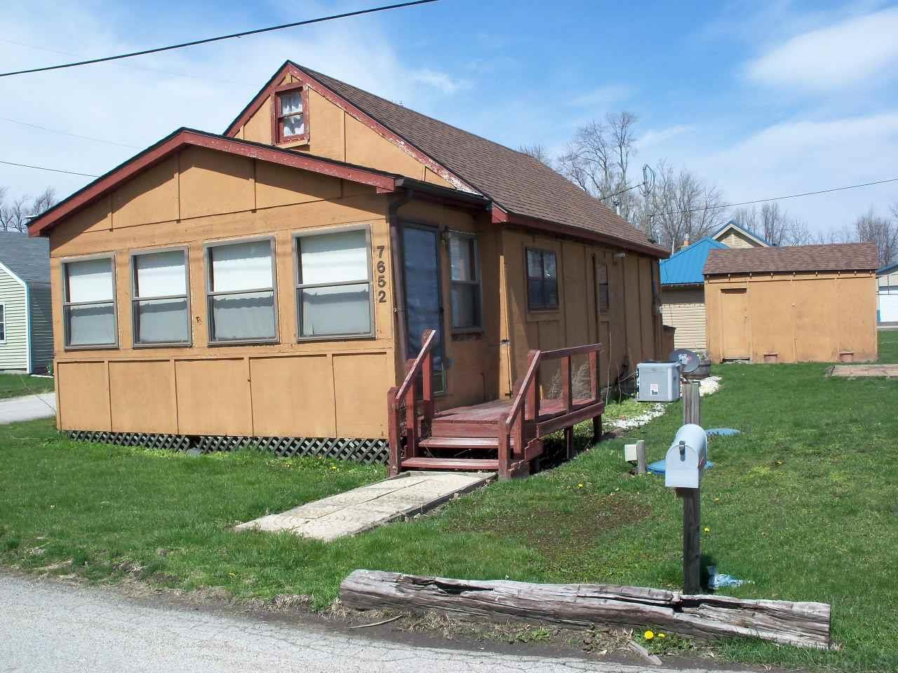 7652 W Forest, Warsaw, IN 46582