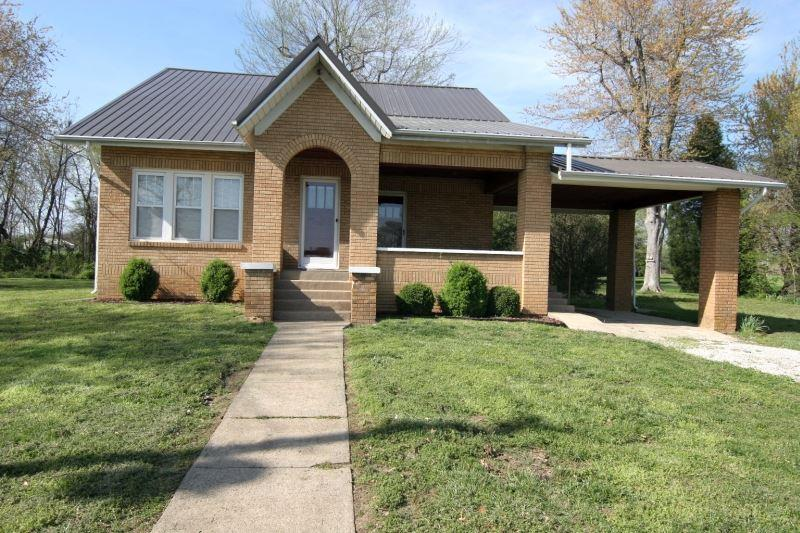 7289 S Main, Huntingburg, IN 47542