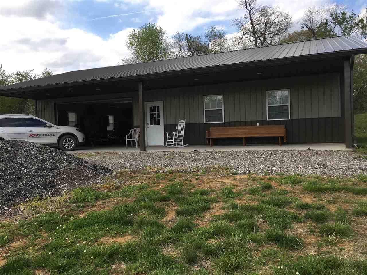 2061 S Sievers, Vincennes, IN 47591