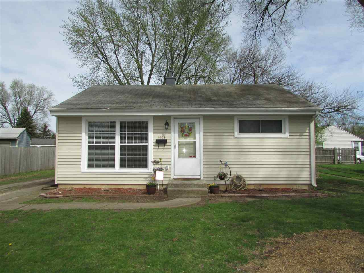 1008 Greenview, South Bend, IN 46619