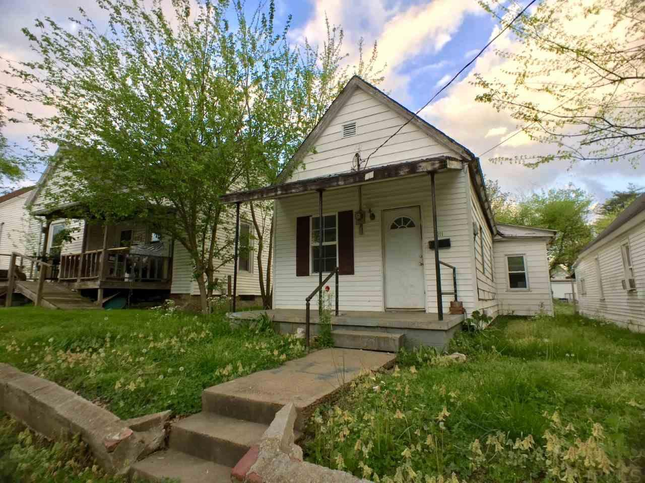 1011 Anne St, Boonville, IN 47601