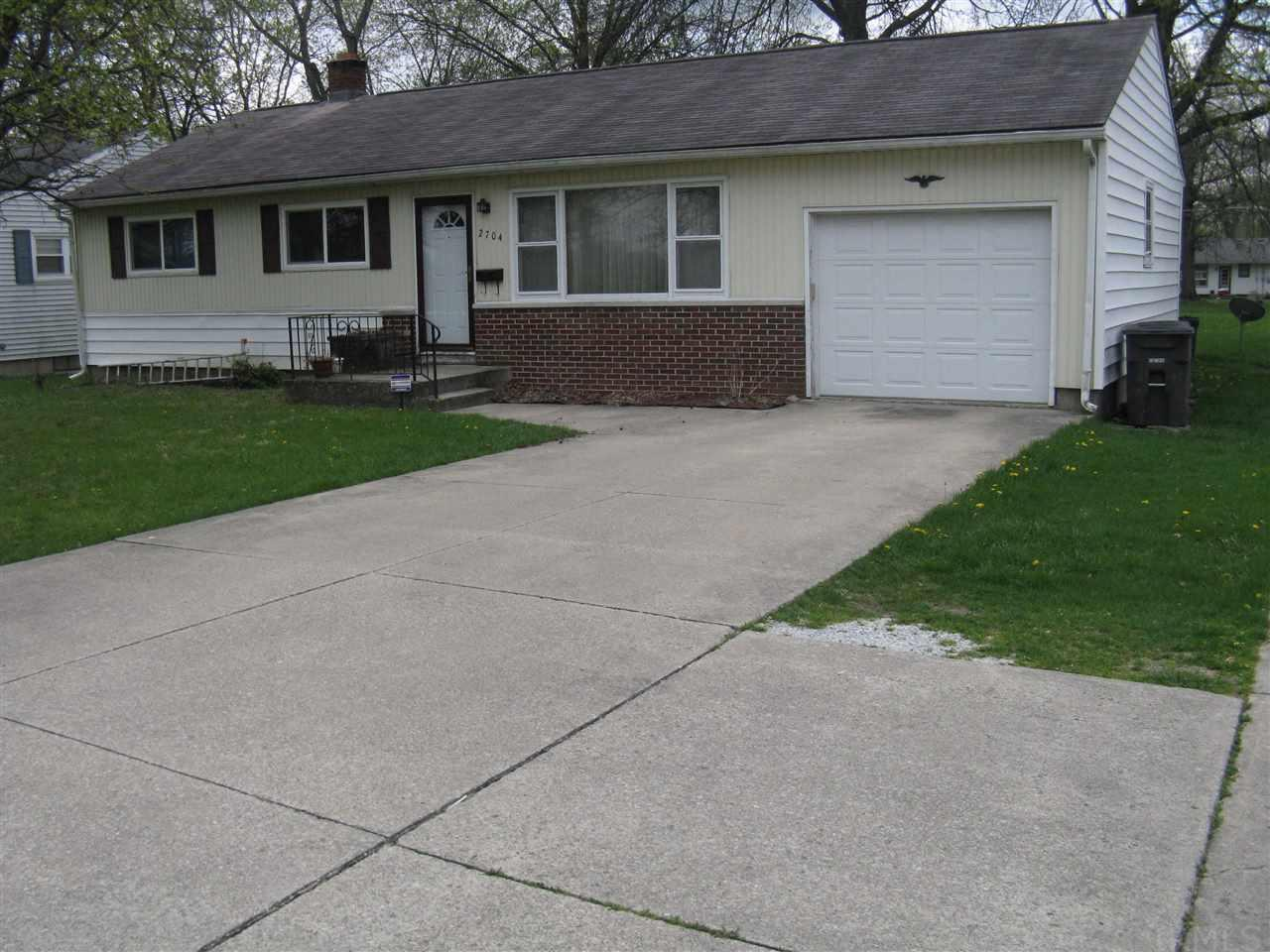 2704 McKinnie Avenue, Fort Wayne, IN 46806