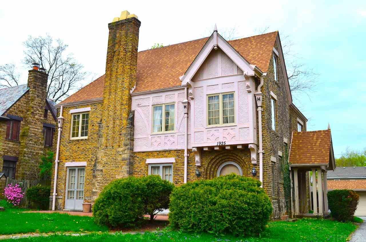 1925 Kensington, Fort Wayne, IN 46805